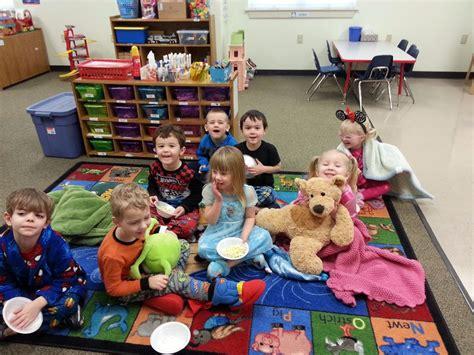 ideas for kindergarten christmas party christmas party ideas for nursery school in the leafy