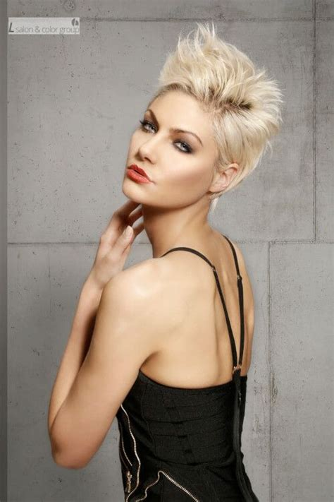 20 stunning short layered hairstyles you should try 1000 ideas about short layered hairstyles on pinterest