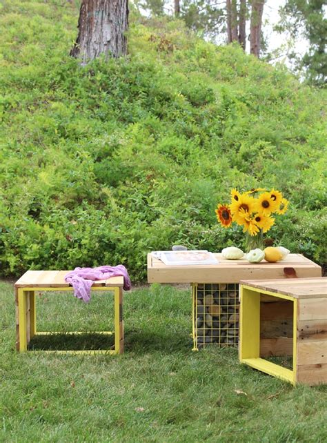 upcycled garden bench make pallet bench table a piece of rainbow