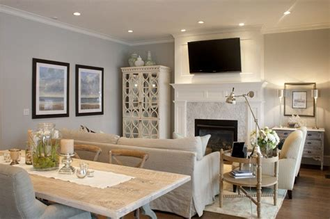 the kitchen dining family room combo and the flow of