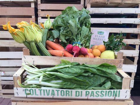 cassetta di frutta cassetta di frutta e verdura mista flashmarket