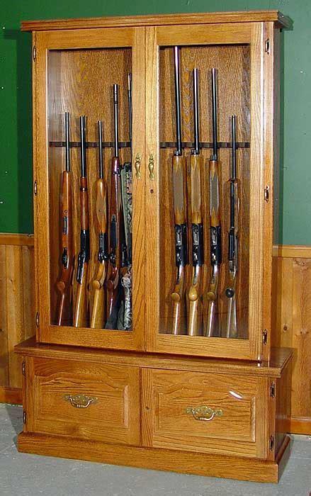 12 Gun Oak Gun Cabinet #910