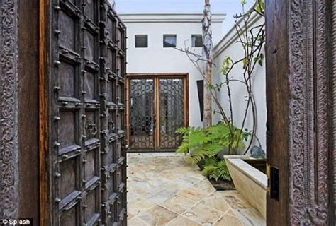 Heavy Front Door Penelope Puts Home On Sunset Up For Sale For 163 2 5million Daily Mail
