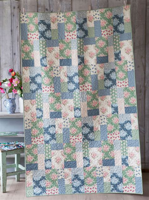 The Quilt by Free Tutorial The Painting Flowers Quilt By Tilda