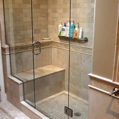 idee per piastrelle bagno arredare la mansarda a da letto