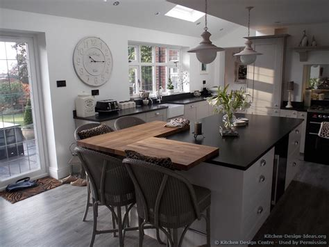 grey kitchen cabinets with black countertops grey kitchen cabinets black countertop quicua
