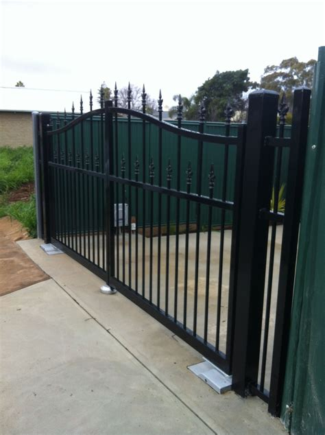 gate swing swing gates