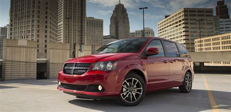 chrysler town and country transmission issues fiat chrysler recalls 26 299 vehicles transmission
