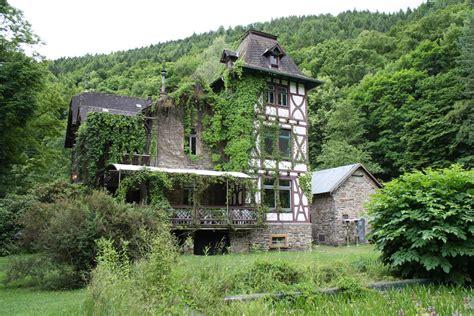 haus rheinberg lorch file alte villa lorch wispertal jpg wikimedia commons