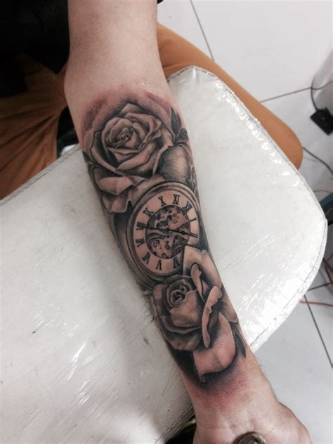 tattoo rosas e rel 243 gio clock time by tattoolucas