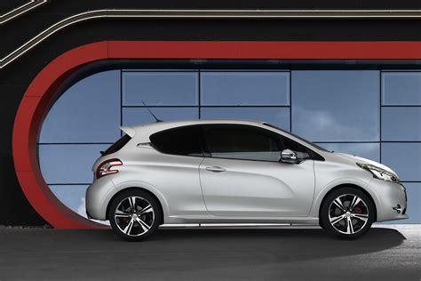 peugeot 208 sedan video new peugeot 208 gti hatchback promo autotribute