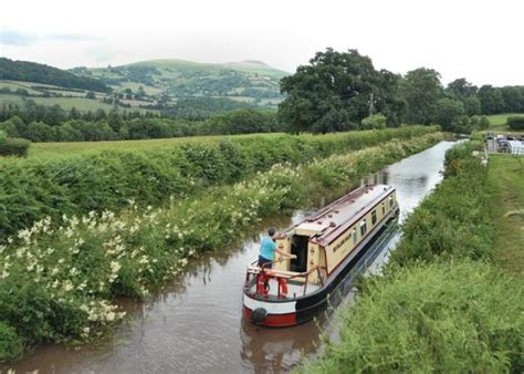 canal boats online monmouth and brecon canal boat holidays goytre wharf