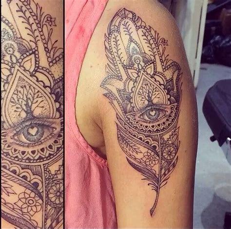 25 striking hamsa tattoo designs best 25 hamsa design ideas on