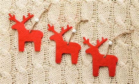 tappeti di natale tappeto feltro palline addobbi natalizi e decorazioni