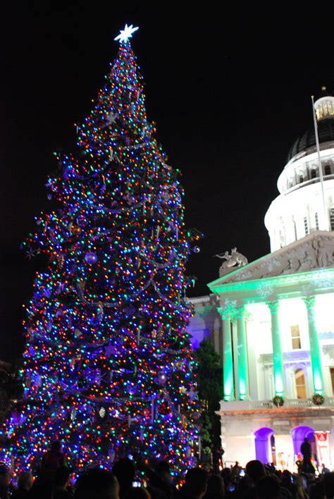 sacramento capital christmas decorations k 2 in sacramento the 79th annual california state capital tree lighting