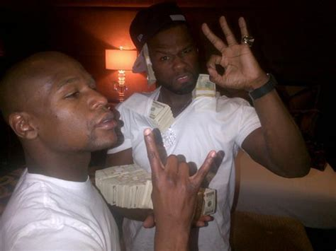 50 cent illuminati floyd mayweather and 50 cent giving illuminati poses