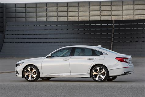 Honda Accord by New 2018 Honda Accord Adopts Bolder Style More Tech And