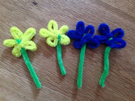 easy pipe cleaner crafts for easy easter bonnet easy hat for easter parade flower