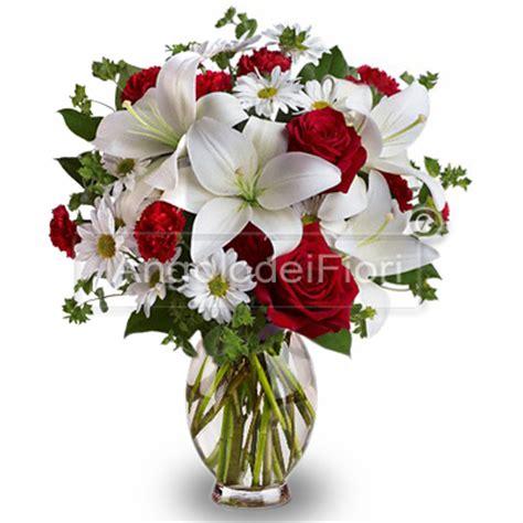 co d fiori bouquet di rosse e lilium bianchi spedizione