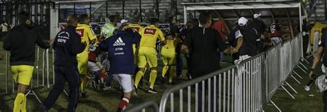 incidente vasco brasile incidenti dopo il derby vasco da gama flamengo