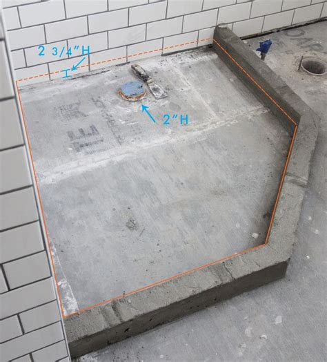 Building A Shower Curb On Concrete Floor by 25 Best Ideas About Tiled Bathrooms On