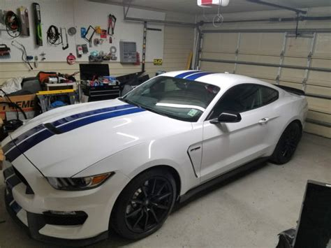 ford mustang gt white stripes 1fa6p8jz3h5520263 2017 ford mustang gt350 oxford white w