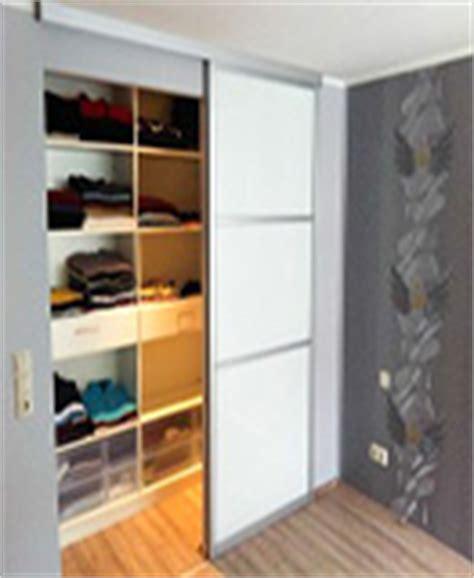 Begehbarer Kleiderschrank Bauen 730 by Dachschr 228 Ge Einbauschrank Nach Ma 223 Selbst Planen