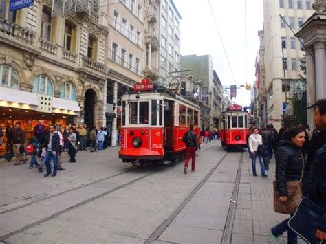 istanbul turisti per caso beyoglu istanbul turchia viaggi vacanze e turismo