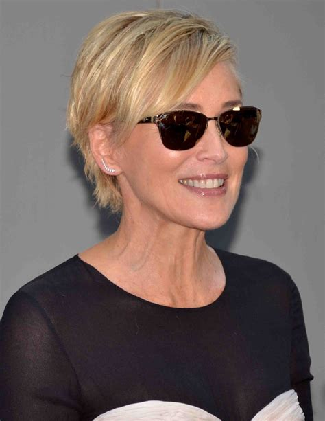 pics of sharon stones hair cut only print out front and back sharon stone nackt auf magazin cover loomee tv