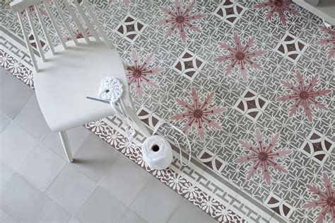 via fliesen zementmosaikplatten via fliesen im retro design