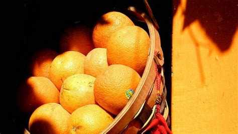 what came the color orange or the fruit oranges which came the fruit or the color huffpost