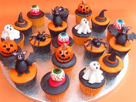 halloween cupcakes halloween novelty cup cakes 171 susie s cakes
