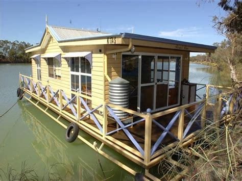 houseboat australia houseboat in australia small floating homes pinterest