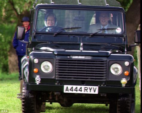 land rover queens land rover defender to cease production in 2015 daily