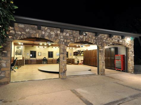 custom home garage fit for a king jay leno s car collector s garage diy