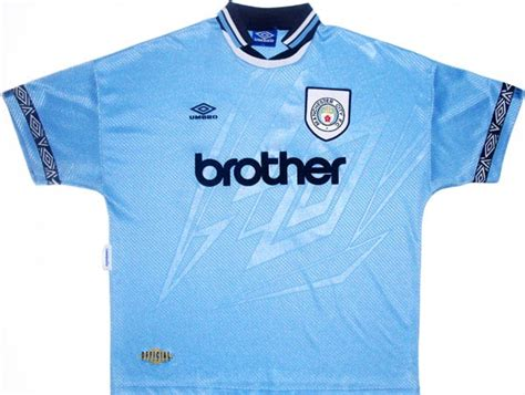 Jersey Retro Manchester City Home 1999 20 great soccer jerseys that today s premier league teams