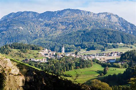 urlaub österreich alm suedtirol de urlaub in kastelruth dolomiten seiser alm