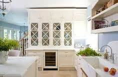 traditional kitchen by teri turan paint pick tapestry beige oc 32 by benjamin moore kitchen pinterest the world s catalog of ideas