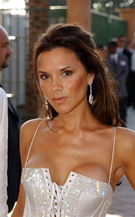 2003 victoria beckham s hair can t be 40 it looks too