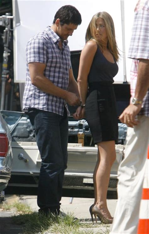 8 Aniston The Bounty Promo Looks by More Pics Of Aniston Flip Flops 32 Of 35