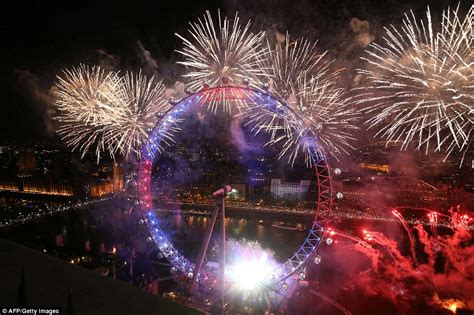 new year celebrations in the us the uk welcomes in new year s 2016 with 12 000