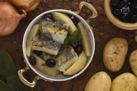 ricetta baccal 224 con patate e olive la ricetta di