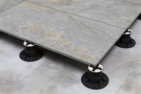 unterkellerte terrasse aufbau wie werden terrassenplatten richtig verlegt profi tips