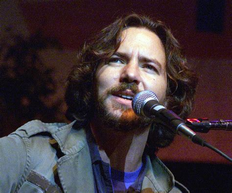 eddie vedder eddie vedder biography childhood achievements