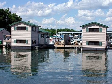 Floating Cabin Rentals by Rent A Whole House Picture Of Patoka Lake Marina