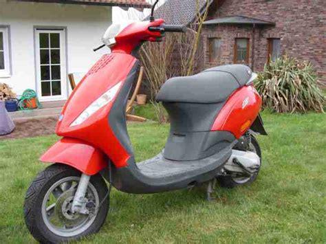 Piaggio Zip Roller Gebraucht Kaufen by Vespa Piaggio Zip 2 Motoroller Sehr Gepflegt Bestes