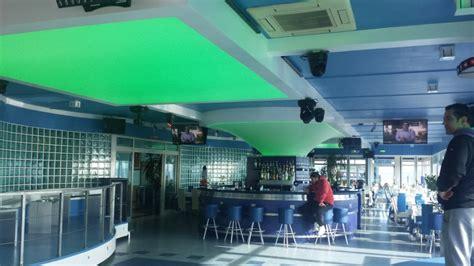 gabbiano montalto soffitto teso tensocielo per bar discoteca presso