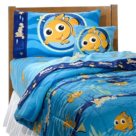 finding nemo bedroom disney finding nemo pillowcase room d 233 cor bedding pillowcase