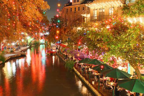 Stunning Holiday Light Displays From Around The World San Antonio Lights 2014