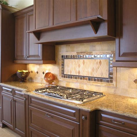 Red Oak Cabinets Kitchen by Kitchen Countertop Backsplash Ideas